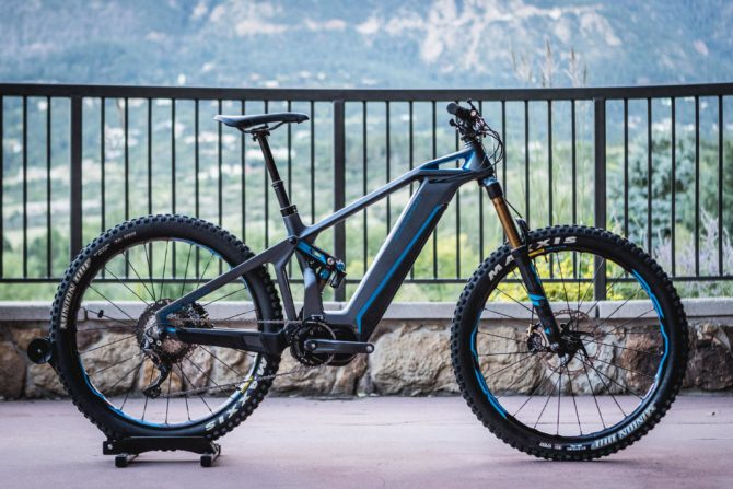 Mondraker e-Crusher Carbon RR+ electric mountain bike. Photo by Thomas Woodson